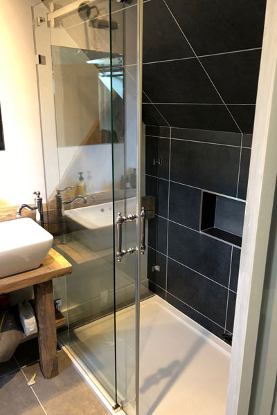 2-sided-sliding-door-shower