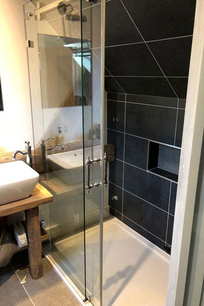 2-sided-sliding-door-shower