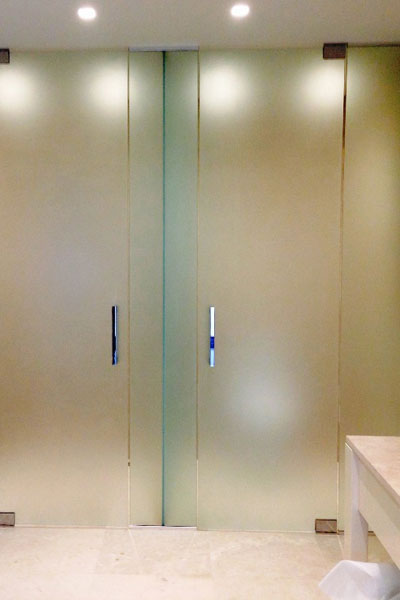 Made-to-measure-Steam-rooms-spas-glass