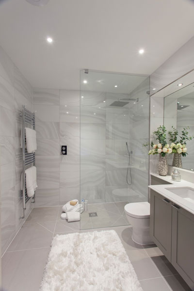 Made-to-measure-walk-in-panels-shower-screens