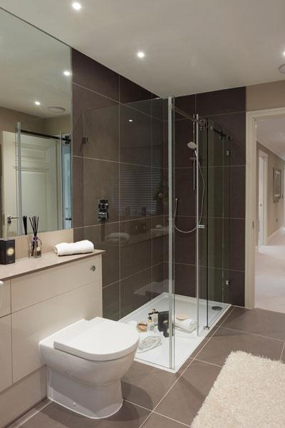 Sliding-door-shower-enclosures