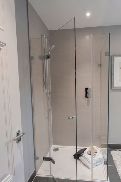 corner-shower-enclosures