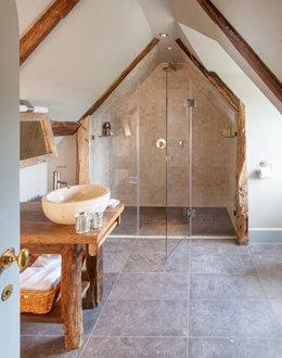 Shower-doors-for-listed-building