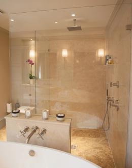 Trade bespoke frameless shower screens