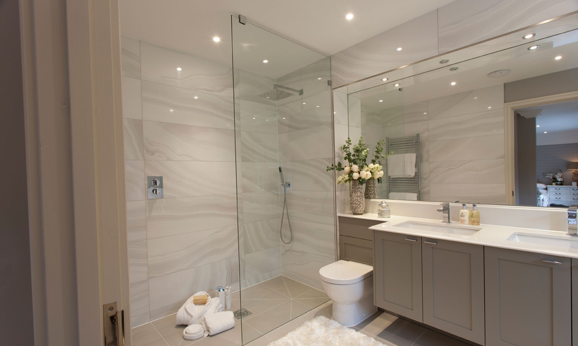 bespoke-shower-enclosures-carousel-2